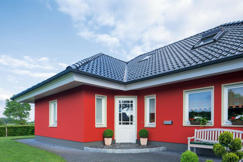 Einfamilienhaus rote Fassade